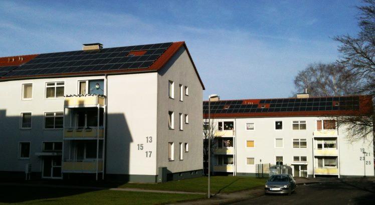 Wirtschaftliche Photovoltaikanlagen auf den Dächern in der Castorffstraße in Schwelm