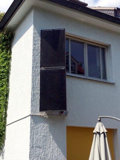 Stecker-Solarmodul an einer Hausfasade in Hagen
