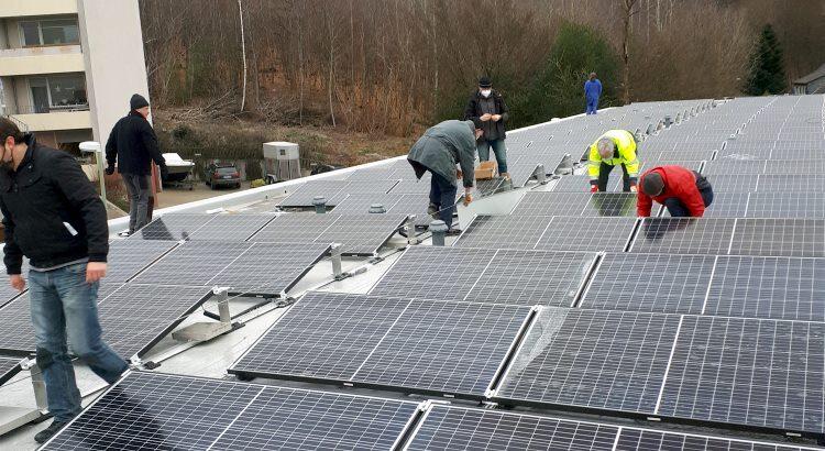 BEG-58 Mitglieder helfen beim Bau der Solaranlagen