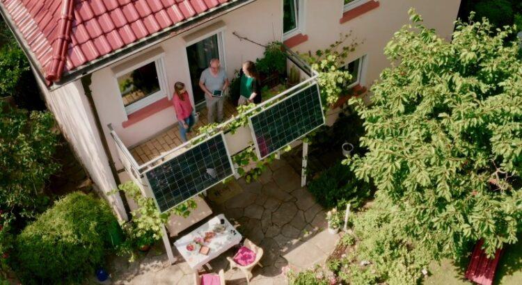 Steckersolarmodule an einem Balkon - mach deinen eigenen Strom